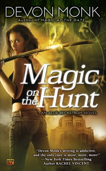 Magic on the Hunt: An Allie Beckstrom Novel, Monk, Devon